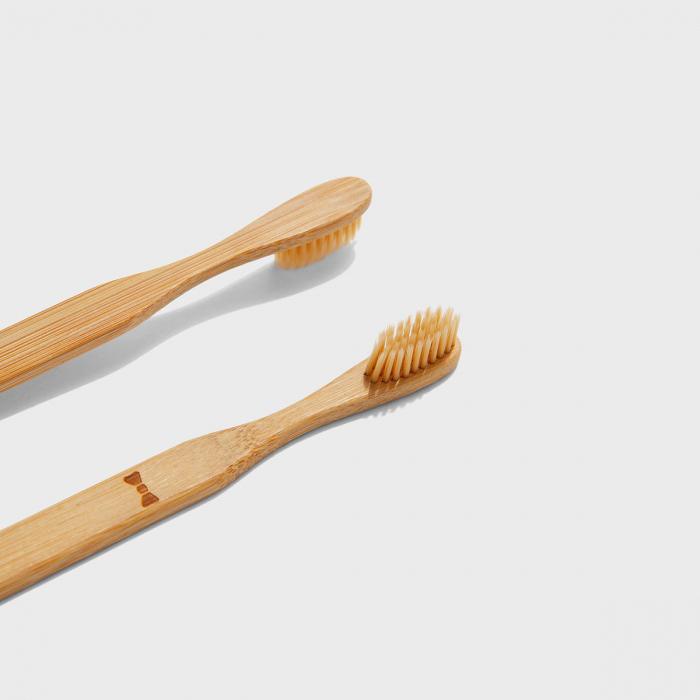 Doamna si papionul periute de dinti pentru cupluri 3