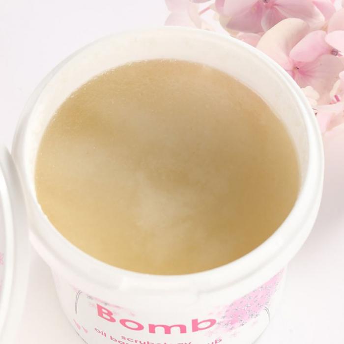 Exfoliant corp Scrubology Bomb Cosmetics 2