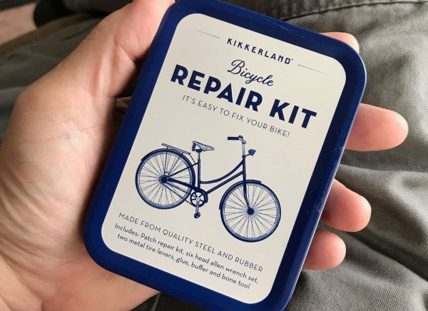 Kit compact reparatii biciclete 4