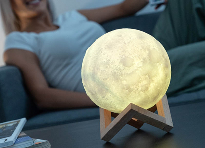 Lampa led luna in culori 0