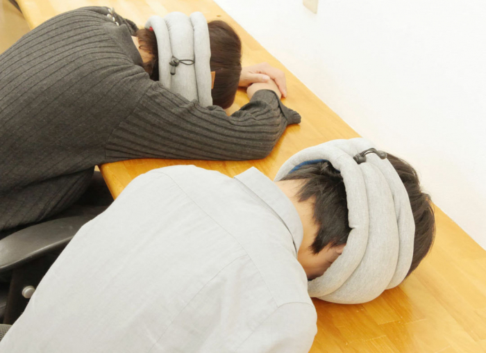 Perna Ostrich Pillow Light 6