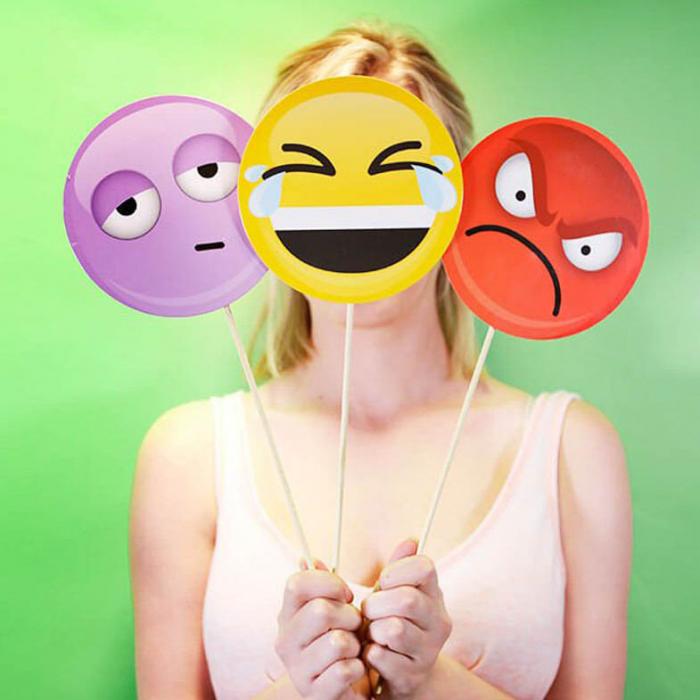 Propsuri Emoji pentru Selfie 0