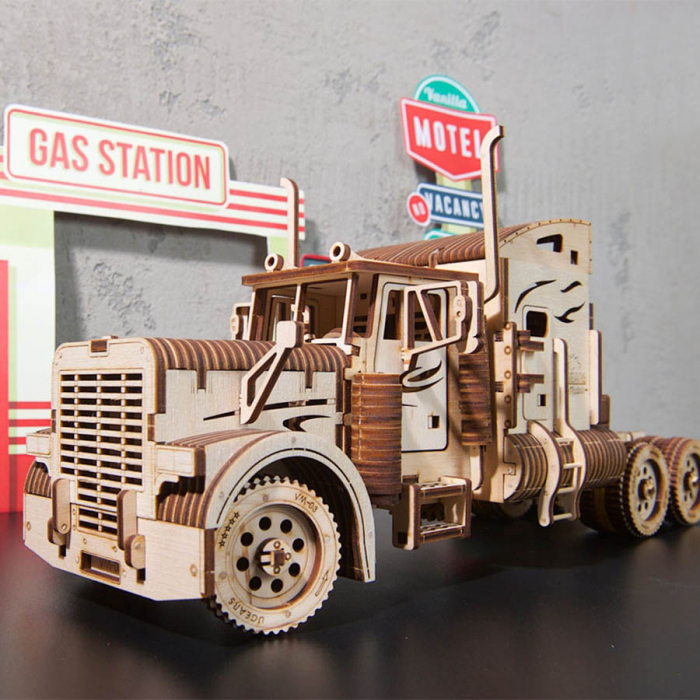 Puzzle 3D Camion VM-03 din lemn Ugears 1