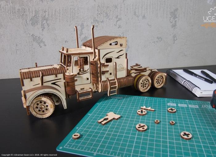 Puzzle 3D Camion VM-03 din lemn Ugears 7