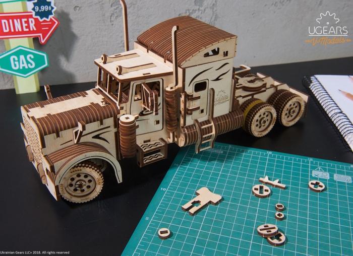 Puzzle 3D Camion VM-03 din lemn Ugears 6