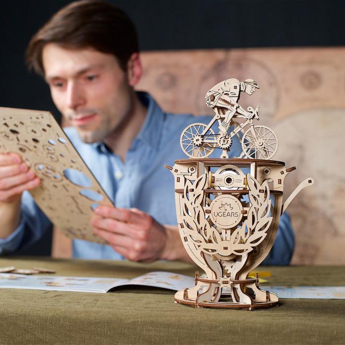 Puzzle 3D Ciclist Automat din lemn Ugears [3]