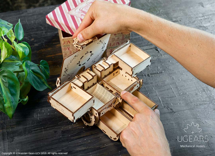 Puzzle 3D Cutie antica de bijuterii Ugears 3