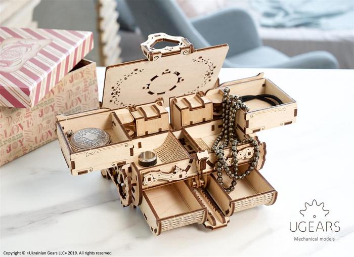Puzzle 3D Cutie antica de bijuterii Ugears 8