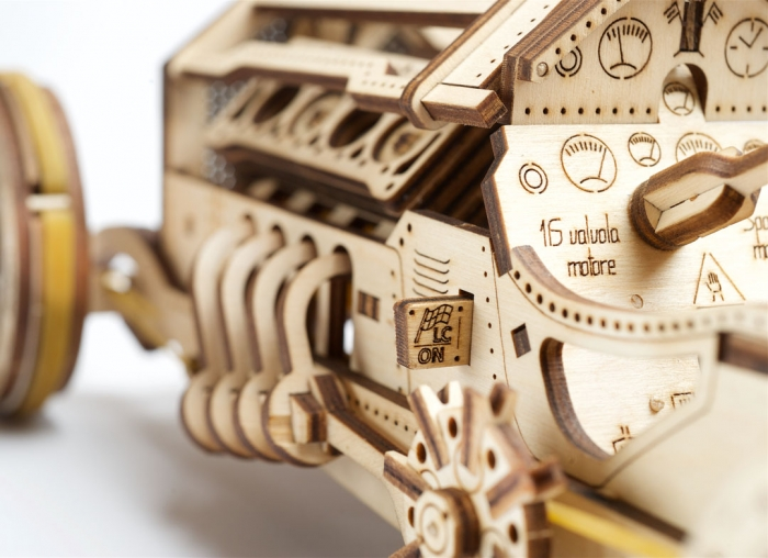 Puzzle 3D Masina Grand Prix U-9 din lemn Ugears 9