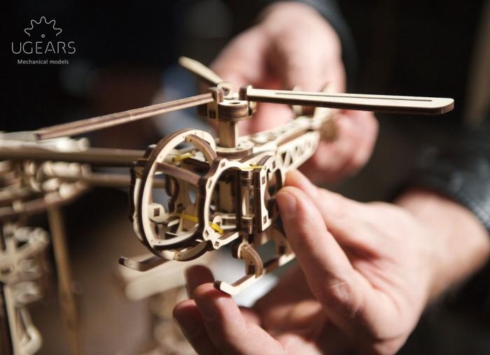 Puzzle 3D Model Aviator din lemn Ugears 11