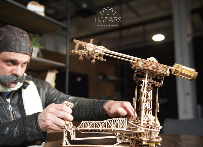 Puzzle 3D Model Aviator din lemn Ugears 1