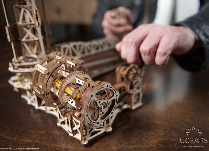 Puzzle 3D Model Aviator din lemn Ugears 14