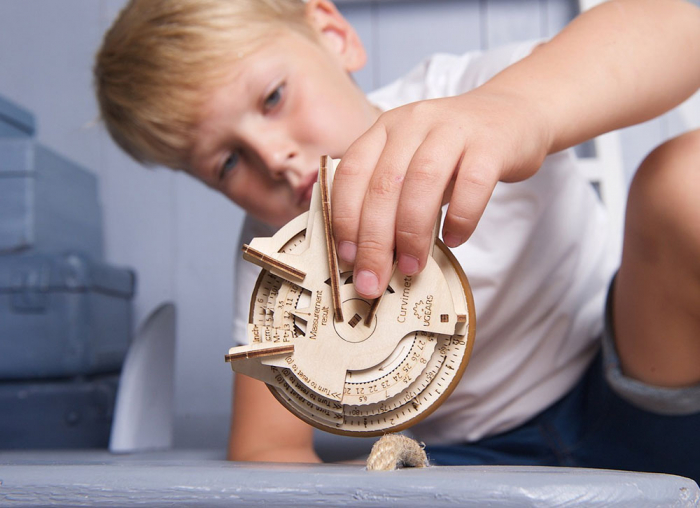Puzzle 3D Model STEM Curbimetru din lemn Ugears 1