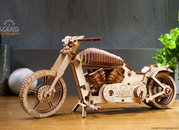 Puzzle 3D Motocicleta VM-02 din lemn Ugears 4