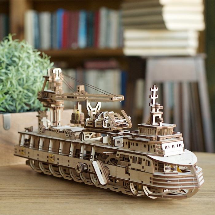 Puzzle 3D Nava de cercetare din lemn Ugears 0