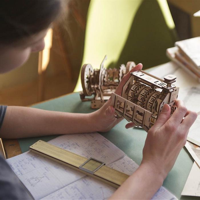 Puzzle 3D STEM Contor de parcurs din lemn Ugears 0