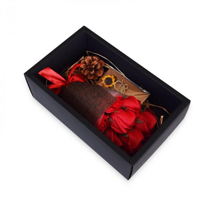 Set cadou Buchet romantic 7 trandafiri de sapun 1