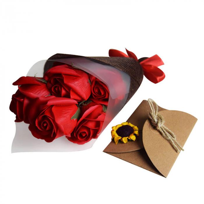 Set cadou Buchet romantic 7 trandafiri de sapun 2