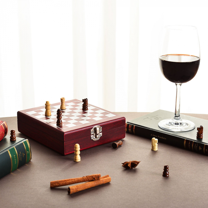 Set sah si accesorii vin Checkmate, Caseta rafinata [1]