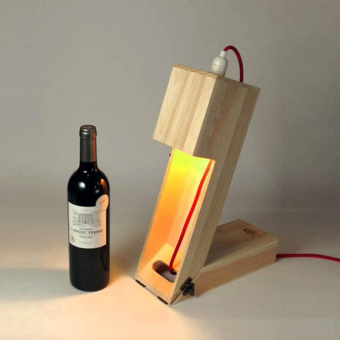 Suport din lemn veioza pentru vin 0