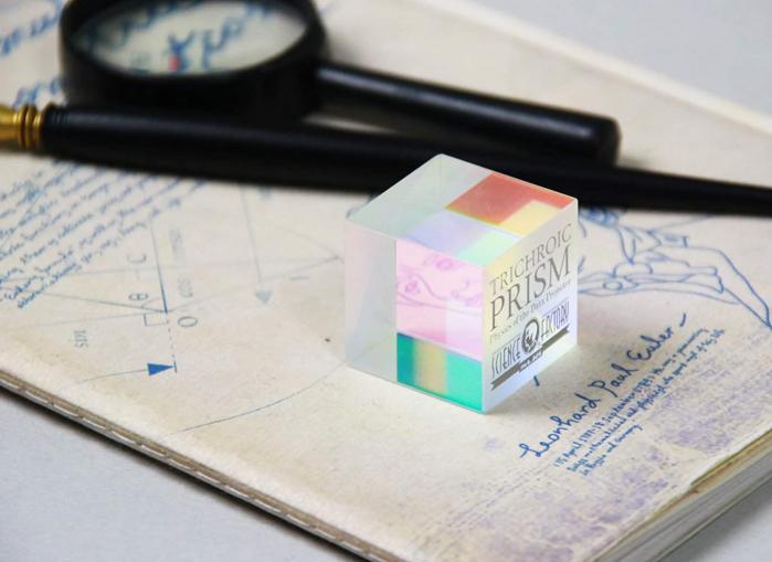 Trichroic Prism Spectacol stiintific de culoare 1