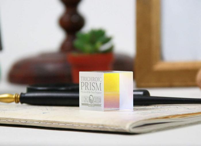 Trichroic Prism Spectacol stiintific de culoare 3