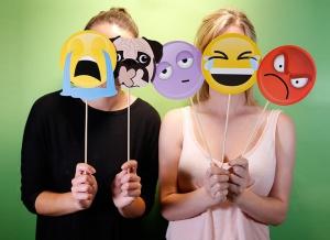 Propsuri Emoji pentru Selfie3