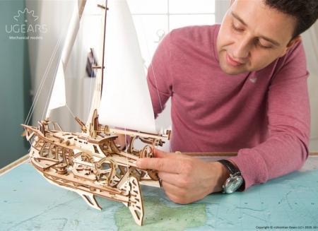 Puzzle 3D Barca Trimaran din lemn Ugears5