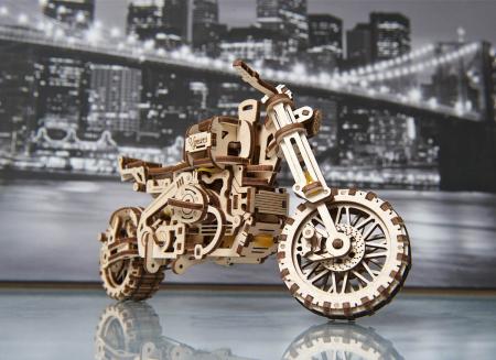 Puzzle 3D Motocicleta Scrambler UGR-10 din lemn Ugears1