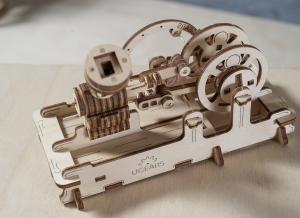 Puzzle 3D Motor Pneumatic din Lemn Ugears10