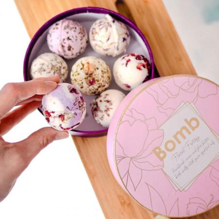 Set cadou sare de baie 7 arome Floral Fantasy, Bomb Cosmetics0