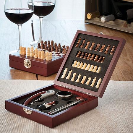 Caseta Deluxe de sah si set accesorii vin [0]