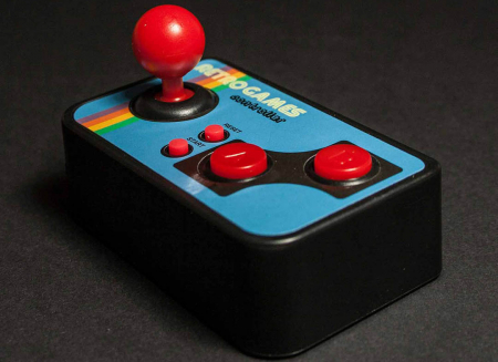 Consola de jocuri vintage, ultra-portabila4