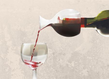 Decantor de vin pe gat de sticla0