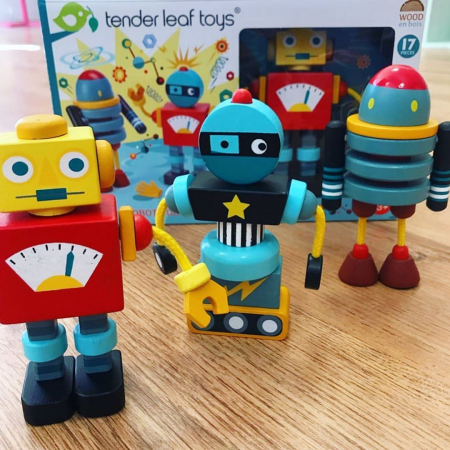 Joc de construit 3 Roboti Retro, lemn premium, 17 piese1