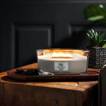 Lumanare parfumata Woodwick ellipse fireside1