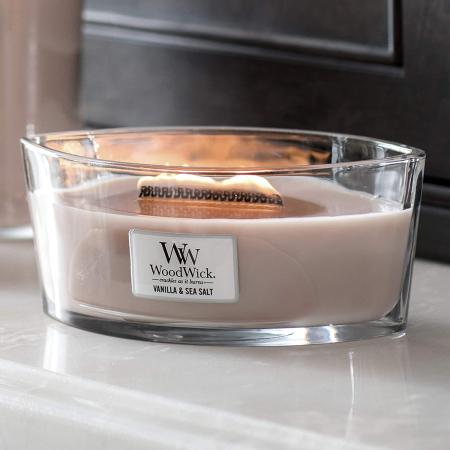 Lumanare parfumata Woodwick ellipse vanilla sea salt0