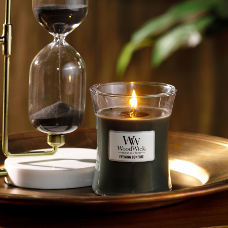 Lumanare parfumata Woodwick evening bonfire Borcan mediu0
