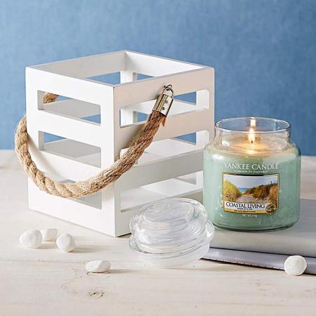 Lumanare parfumata Yankee Candle coastal living Borcan mediu0