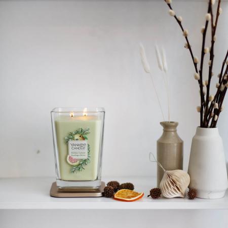 Lumanare parfumata Yankee Candle elevation collection holiday garland Borcan mare0