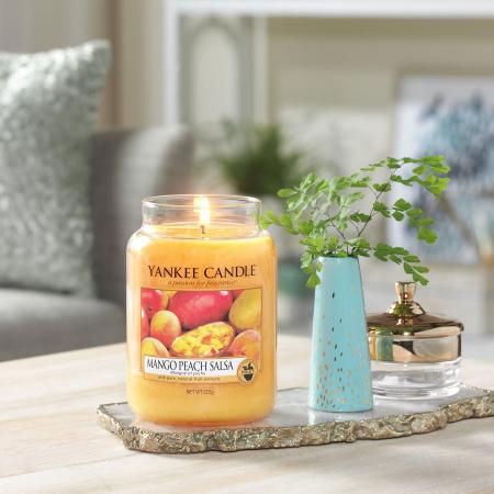 Lumanare parfumata Yankee Candle mango peach salsa Borcan mare0