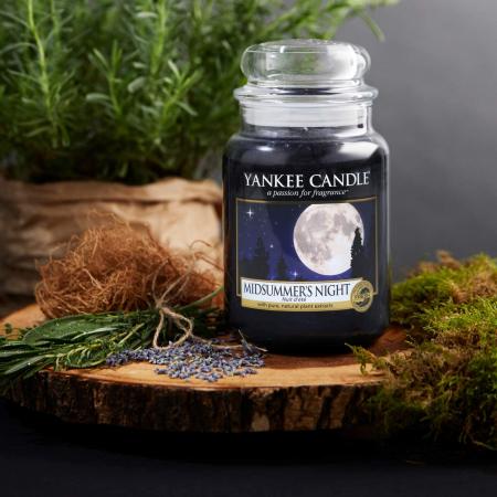 Lumanare parfumata Yankee Candle midsummer's night Borcan mare1
