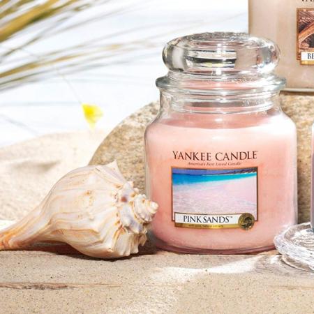 Lumanare parfumata Yankee Candle pink sands Borcan mic0