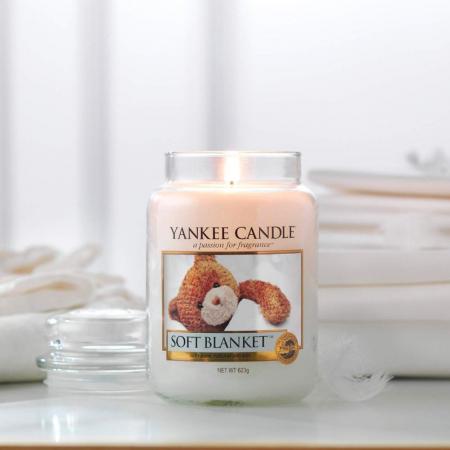 Lumanare parfumata Yankee Candle soft blanket Borcan mare0