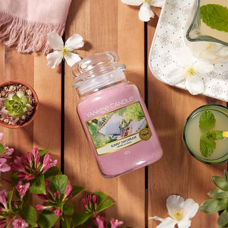 Lumanare parfumata Yankee Candle sunny daydream Borcan mare1