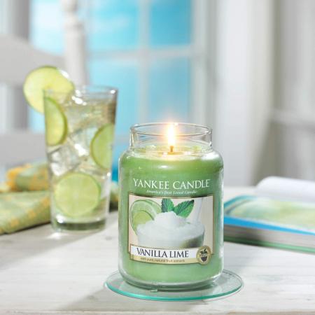 Lumanare parfumata Yankee Candle vanilla lime Borcan mare1
