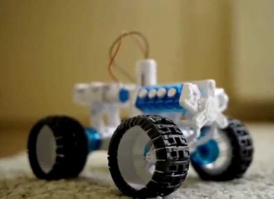 Masina 4x4 cu Motor cu apa sarata6