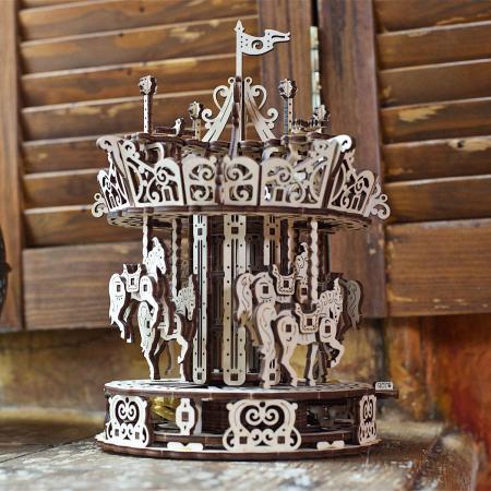 Puzzle 3D Carusel din lemn Ugears0