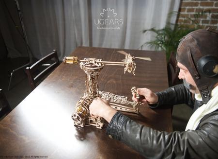 Puzzle 3D Model Aviator din lemn Ugears6