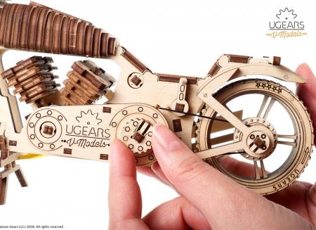 Puzzle 3D Motocicleta VM-02 din lemn Ugears10